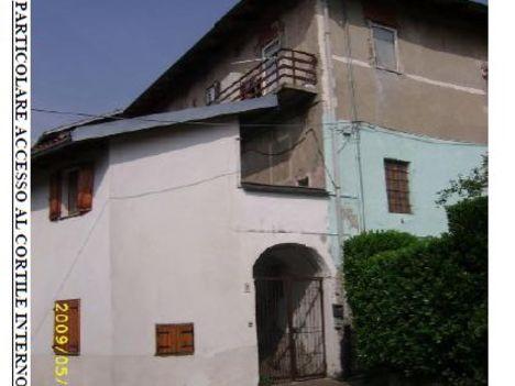 Abitazione di tipo popolare cuorgne 39 fino a euro for Piani tipo casa castello