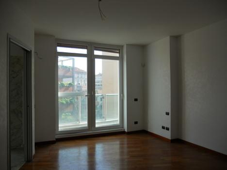 Appartamento MILANO 150.000 - 500.000 euro - Enti e Tribunali