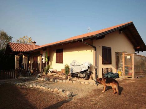 Abitazione in villini ALBIANO D'IVREA 80.000   150.000 euro   Enti